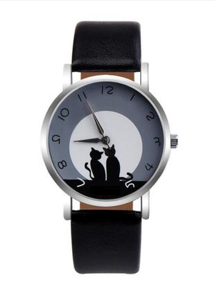 Часы кварцевые наручные с котиком и кошкой, черные, есть разны...
