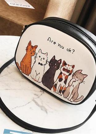 Новая модная крутая овальная круглая сумка сумочка коты котики...