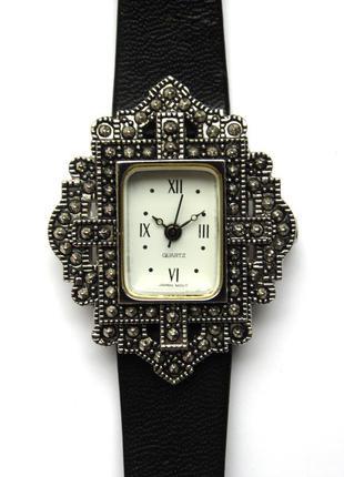 Avon винтажные часы из сша кожаный ремешок мех. japan morioka ...