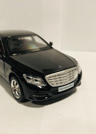 Коллекционная модель Mercedes-Benz S600 1:32