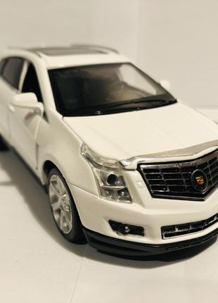 Коллекционная модель Cadillac SRX 1:32