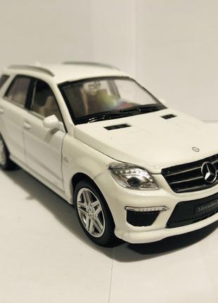 Коллекционная модель Mercedes-Benz ML63 1:32