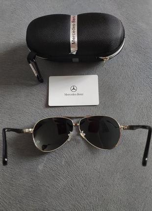 Солнцезащитные очки Mercedes-Benz с кейсом Polaroid