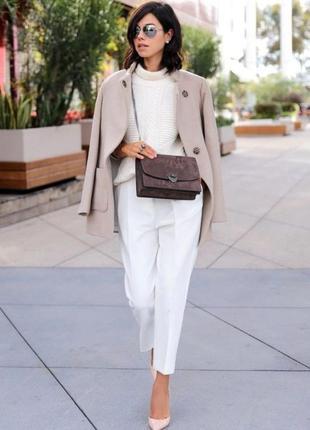 Белые современные брюки р-40 в отличном состоянии