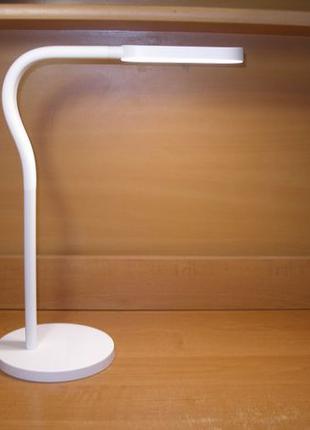 LED лампа Xiaomi Yeelight YLTD01YL для учебы