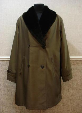 Демисезонное пальто oversize с меховым воротником  бренд four ...