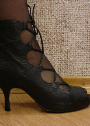 Кожаные открытые туфли на шнурках летние ботильоны