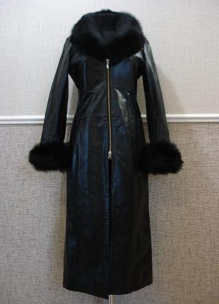 Шикарнейшее английское кожаное пальто с меховым воротником и м...