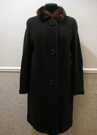 Шерстяное зимнее пальто оверсайз с меховым воротником