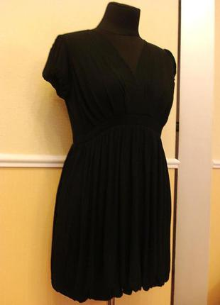 Летнее трикотажное маленькое черное платье подойдет для береме...