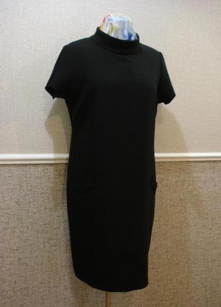 Черное  маленькое платье с коротким рукавом платье прямого кроя