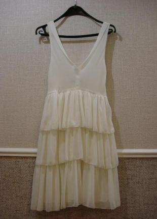 Шифоновое платье с воланами платье с открытой спиной