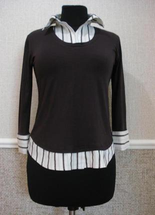 Трикотажная блузка с воротником и рубашкой обманкой