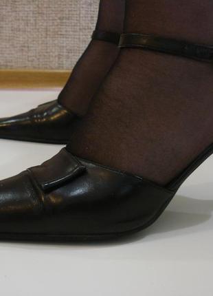 Черные классические кожаные босоножки