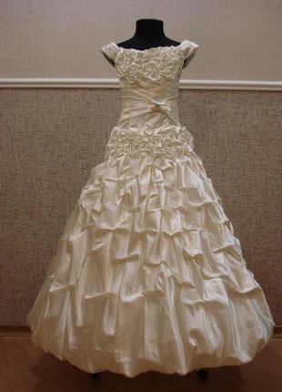 Нарядное атласное праздничное платье для девочки