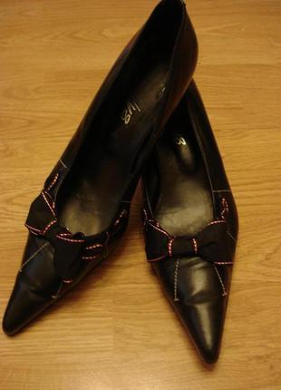 Классические кожаные туфли-лодочки Shellys London