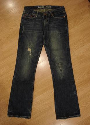 Потертые рваные джинсы бойфренды cross jeans