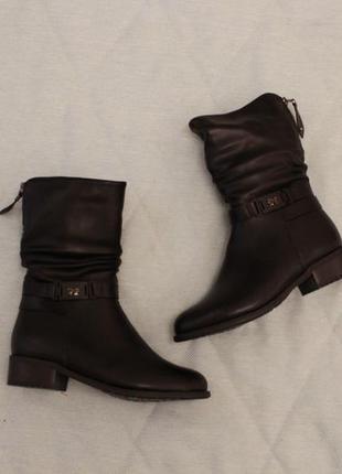 Зимние ботинки, полусапожки 37 размера на низком ходу