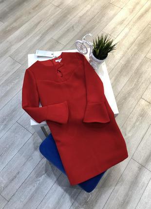 Стильное красное платье трапеция с длинным рукавом и баской, ч...