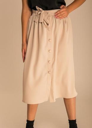 Атласная юбка миди с блеском
