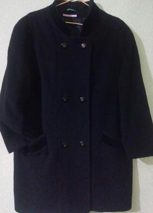 Демисезонное шерстяное пальто большого размера