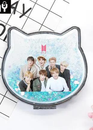 Двойное зеркало с участниками корейской группы BTS