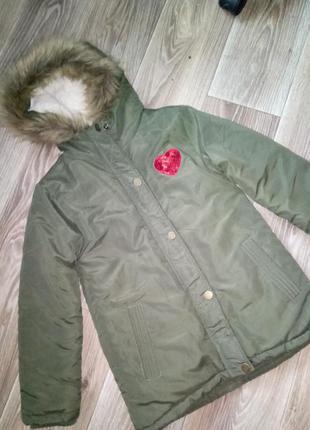 Мягенькая, тепленькая парка, курточка, пальтишко