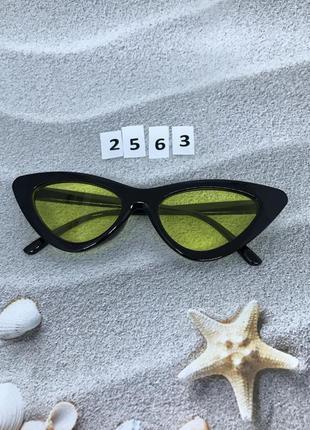 Черные ретро очки с желтыми линзами к. 2563