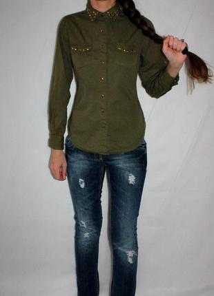 Рубашка с заклепками хаки с длинным рукавом
