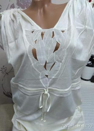 Необыкновенной красоты ночная сорочка.