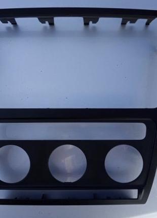Переходная рамка магнитолы Skoda octavia a5