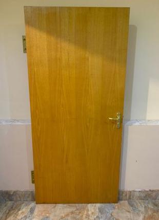Деревянная Дверь 2мХ90см, форн KALE, петля ЛИКЧЕЛ 150мм