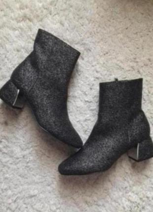 Ботинки толстый каблук