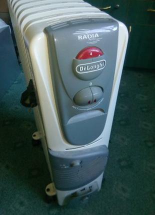 Масляный обогреватель Delonghi с тепловентилятором 2000 вт.