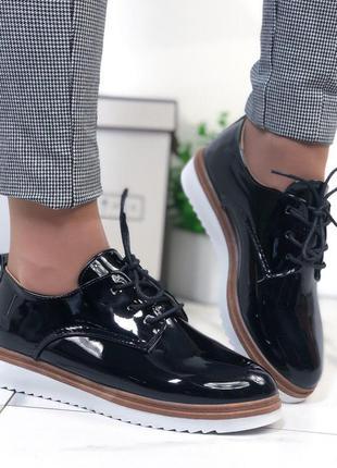 Туфли лаковые женские черные