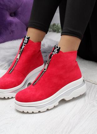 Красные ботиночки