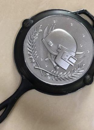 Сковородка PUBG настоящая резиновая со шлемом косплей реквизит...