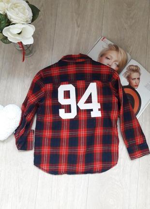 Модная рубашка с патчами 4-5 лет h&m
