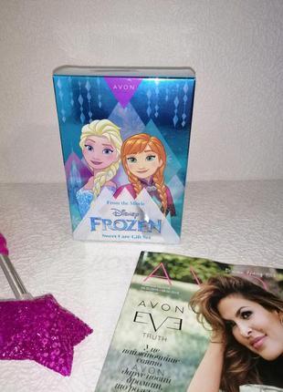 Парфюмерно-косметическом наборе frozen avon