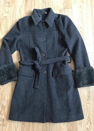 Базовое крутое стильно демисезонное пальто