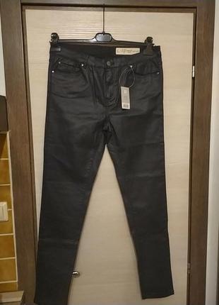 Новые штаны с напылением под кожу