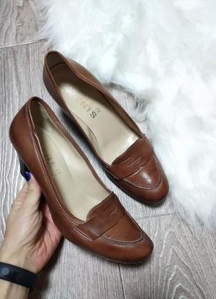 Классические кожаные туфли из натуральной кожи