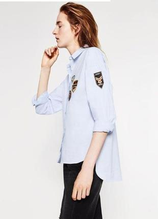Рубашка с нашивками патчами zara