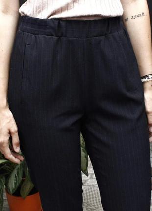 Темно синие брюки/штаны в мелкую полоску с карманами zara traf...
