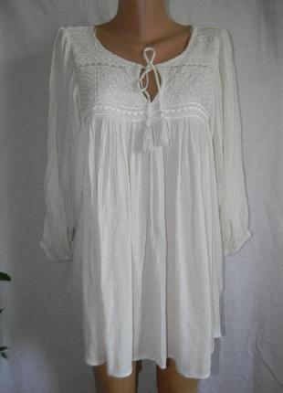 Новая кремовая блуза с вышивкой свободного кроя