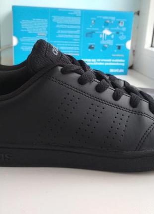 Кроссовки adidas р.36 оригинал.