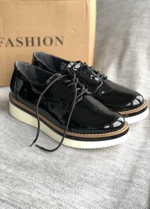Новые черные туфли, броги, дерби бренд