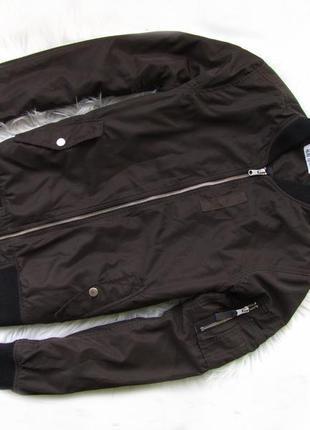 Стильная демисезонная куртка бомбер h&m.