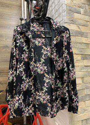 Рубашка блуза женская чёрная в цветочный принт