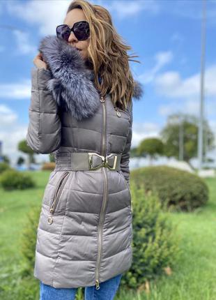 Зимнее пальто/пуховик с натуральным мехом чернобурка.